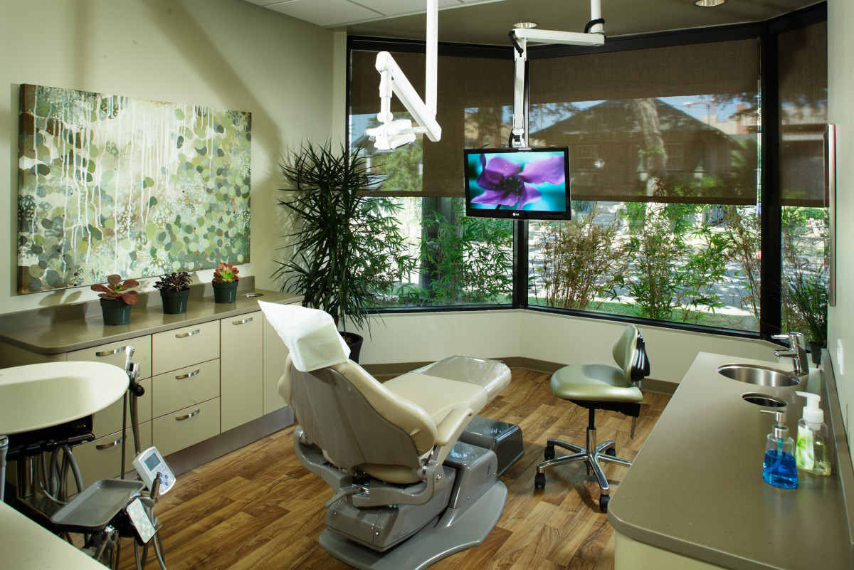 East-Sacramento-Dental-Exam-Room.jpg